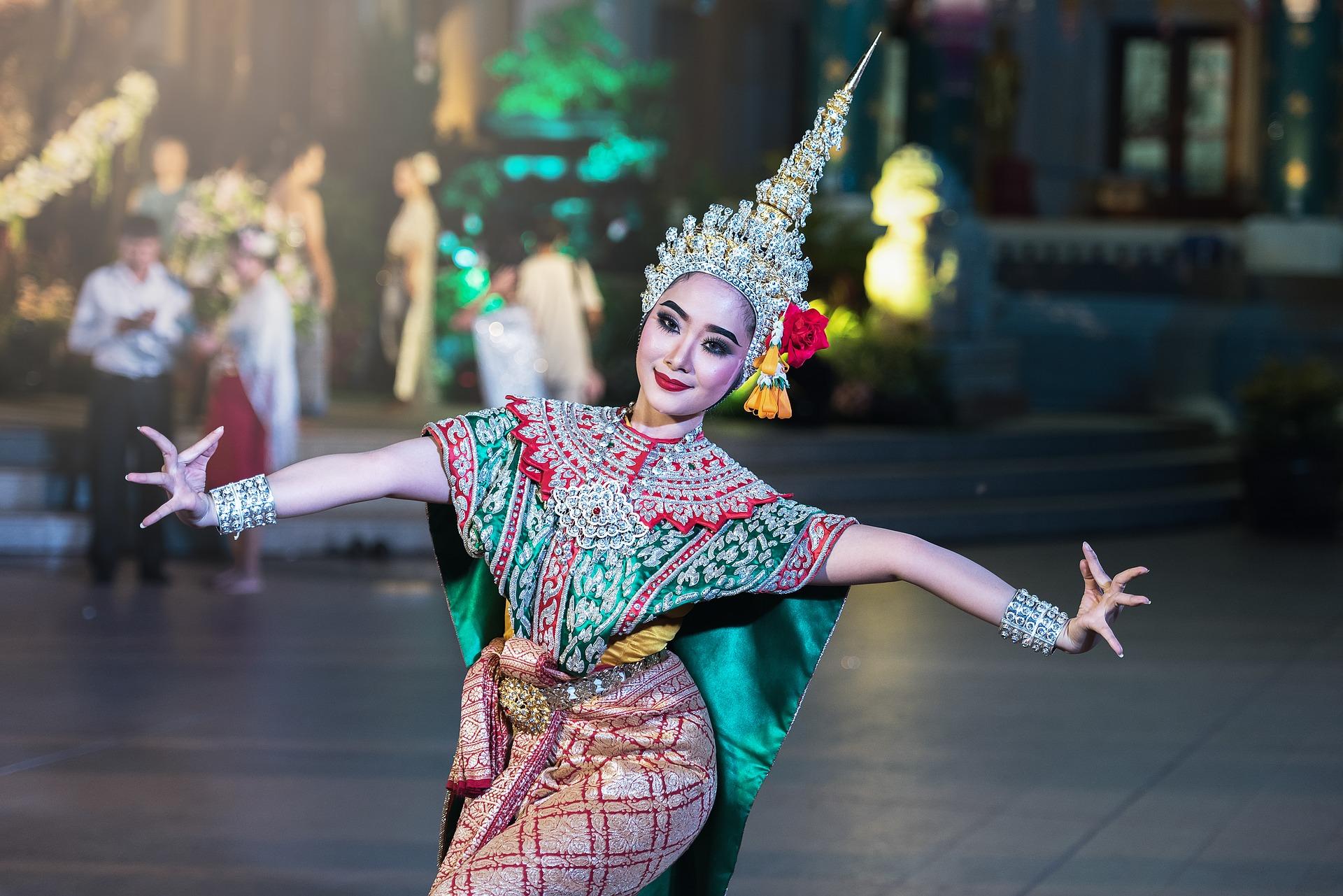 beautiful-thai-dancer